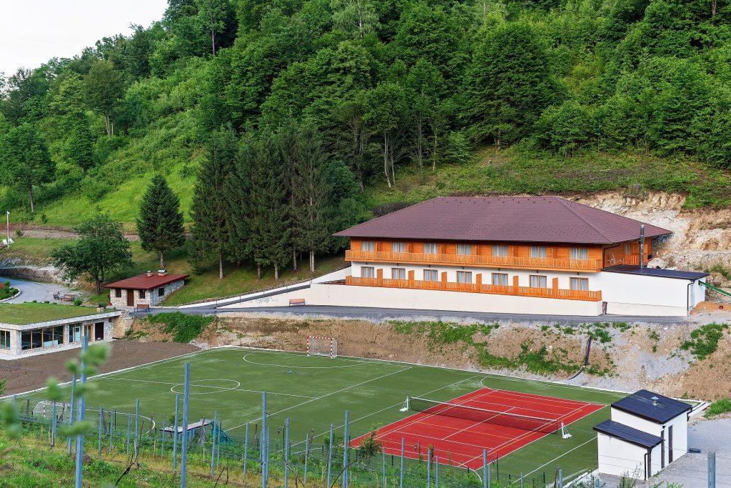 Zlatna Nit Sportski tereni